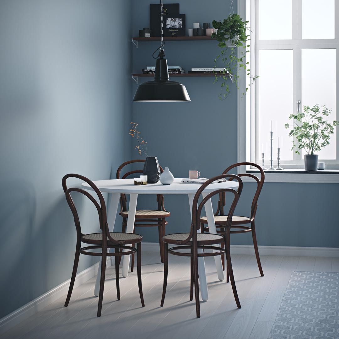 Lyst og fint kjøkken malt i en blåfarge