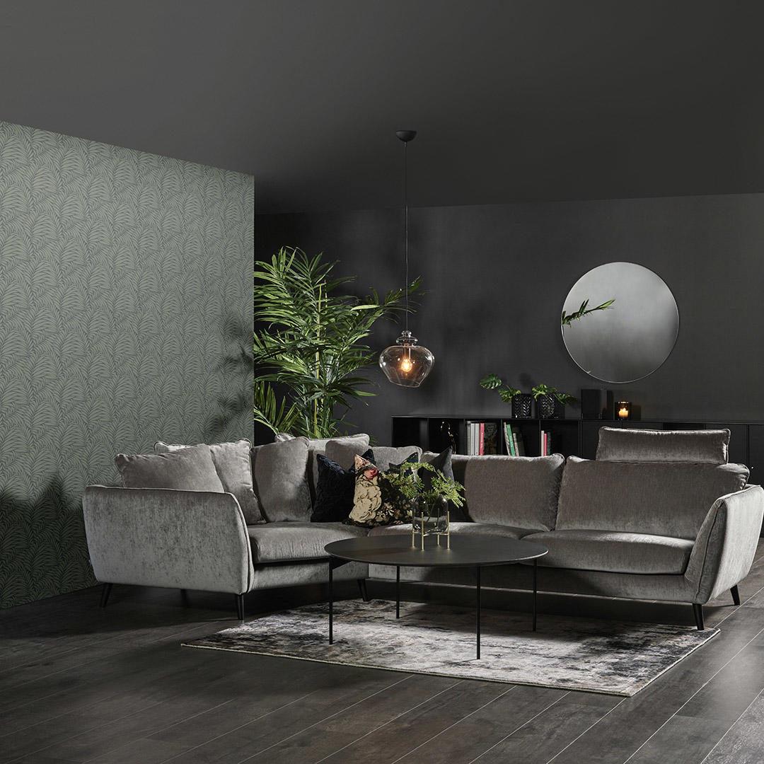 Stue med vegger malt i Signatur sort